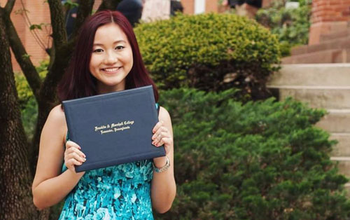 Vietnamese student wins three master's, doctoral scholarships in the US