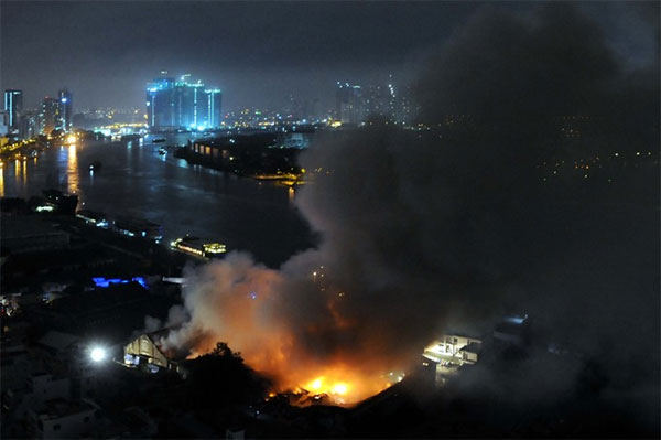 Fire destroys 5,000sq.m. warehouse near Sai Gon Port