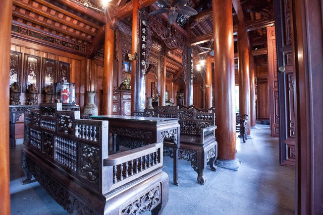 Building traditional houses become new hobby of the rich in Vietnam