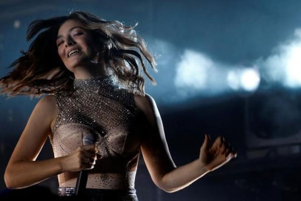'Melodrama' scores Lorde her first chart-topping Billboard album