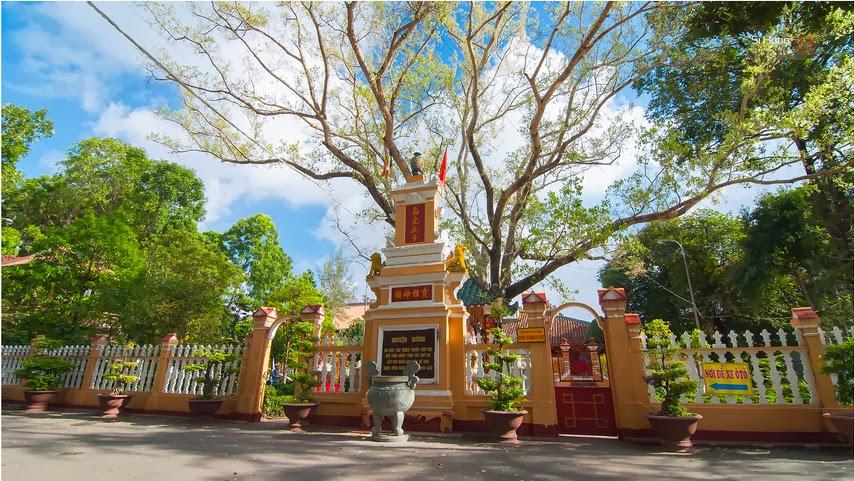 Must-visit temples in Vietnam, tran quoc pagoda, cao dai temple, thien mu pagoda, travel news, Vietnam guide, Vietnam airlines, Vietnam tour, tour Vietnam, Hanoi, ho chi minh city, Saigon, travelling to Vietnam, Vietnam travelling, Vietnam travel, vn news