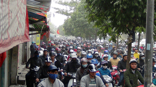 Hanoi police make amazing claim that 90% agree with controversial motorbike ban, social news, vietnamnet bridge, english news, Vietnam news, news Vietnam, vietnamnet news, Vietnam net news, Vietnam latest news, vn news, Vietnam breaking news