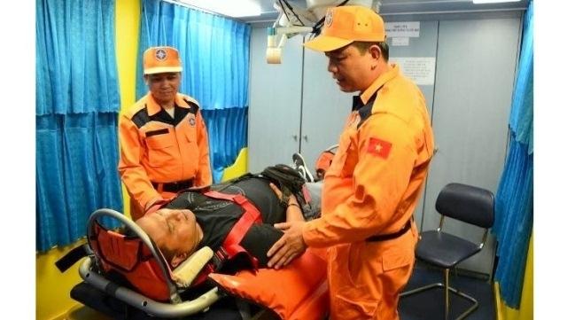 Unconscious Indonesian boatman rescued on Vietnam's waters, social news, vietnamnet bridge, english news, Vietnam news, news Vietnam, vietnamnet news, Vietnam net news, Vietnam latest news, vn news, Vietnam breaking news