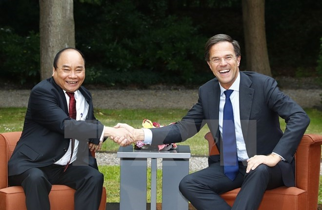 PMs of Vietnam, Netherlands vow to deepen ties