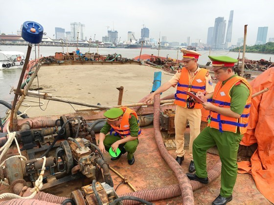 Sand exploiters to be prosecuted to deter others, social news, vietnamnet bridge, english news, Vietnam news, news Vietnam, vietnamnet news, Vietnam net news, Vietnam latest news, vn news, Vietnam breaking news