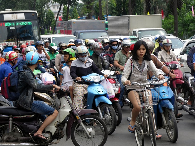 Experts call for more buses, controls on cars, social news, vietnamnet bridge, english news, Vietnam news, news Vietnam, vietnamnet news, Vietnam net news, Vietnam latest news, vn news, Vietnam breaking news