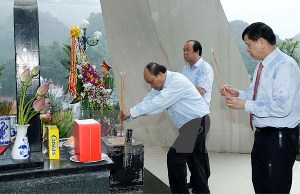 Viet Nam honors its war heroes