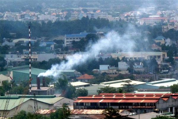 Dust pollution, noise pollution, industrial parks, Vietnam economy, Vietnamnet bridge, English news about Vietnam, Vietnam news, news about Vietnam, English news, Vietnamnet news, latest news on Vietnam, Vietnam