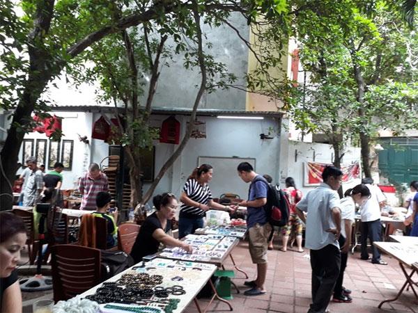 Ha Noi, unique gemstone market, small gemstone traders, gemstone lovers, Vietnam economy, Vietnamnet bridge, English news about Vietnam, Vietnam news, news about Vietnam, English news, Vietnamnet news, latest news on Vietnam, Vietnam