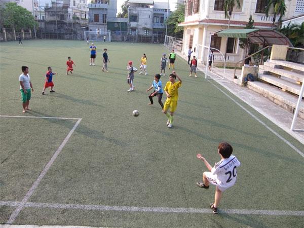 Football movement, grassroots football, develop children's non-competitive grassroots football, Vietnam economy, Vietnamnet bridge, English news about Vietnam, Vietnam news, news about Vietnam, English news, Vietnamnet news, latest news on Vietnam
