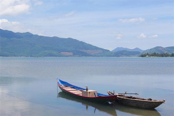 Lap An Lagoon, where sea and mountain meet