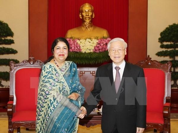 Party chief hosts Speaker of Bangladeshi Parliament