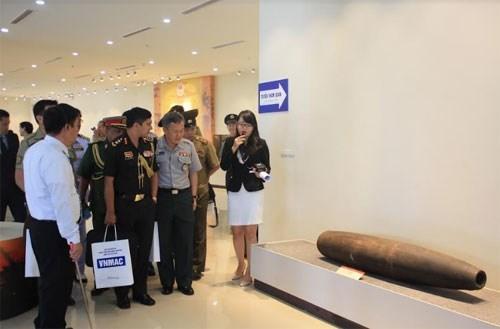 Military attachés visit Vietnam National Mine Action Centre