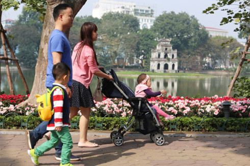 Officials consider revising Hoan Kiem Lake street closures, travel news, Vietnam guide, Vietnam airlines, Vietnam tour, tour Vietnam, Hanoi, ho chi minh city, Saigon, travelling to Vietnam, Vietnam travelling, Vietnam travel, vn news