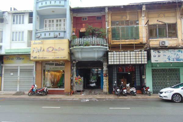 A 100-year-old alley in town, travel news, Vietnam guide, Vietnam airlines, Vietnam tour, tour Vietnam, Hanoi, ho chi minh city, Saigon, travelling to Vietnam, Vietnam travelling, Vietnam travel, vn news