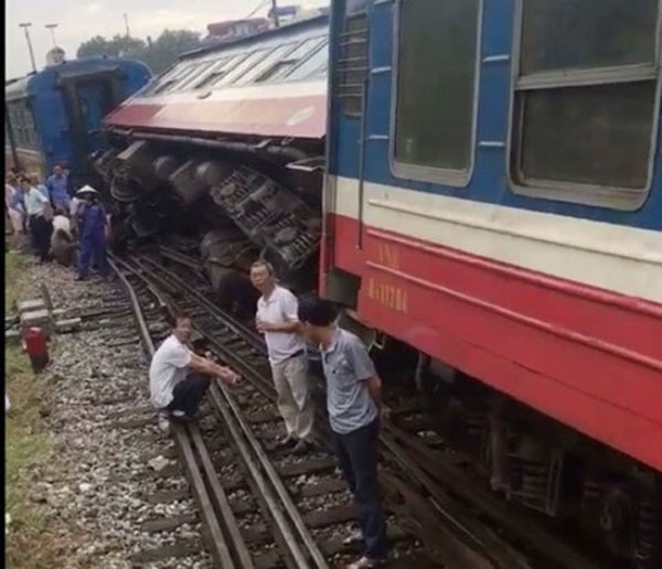 Railway, breakdown, investigation, SP2 Train derailed, Vietnam economy, Vietnamnet bridge, English news about Vietnam, Vietnam news, news about Vietnam, English news, Vietnamnet news, latest news on Vietnam, Vietnam