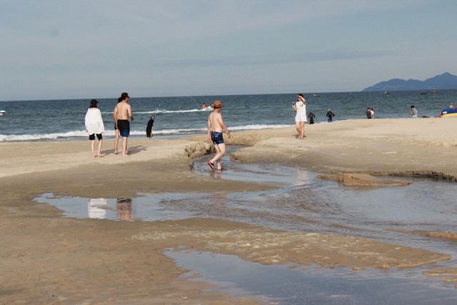 Da Nang beaches ravaged by pollution, Vietnam environment, climate change in Vietnam, Vietnam weather, Vietnam climate, pollution in Vietnam, environmental news, sci-tech news, vietnamnet bridge, english news, Vietnam news, news Vietnam, vietnamnet news,