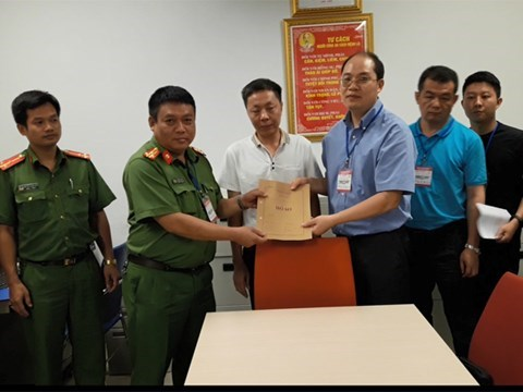 Hanoi police hand over wanted Chinese to Chinese police, social news, vietnamnet bridge, english news, Vietnam news, news Vietnam, vietnamnet news, Vietnam net news, Vietnam latest news, vn news, Vietnam breaking news