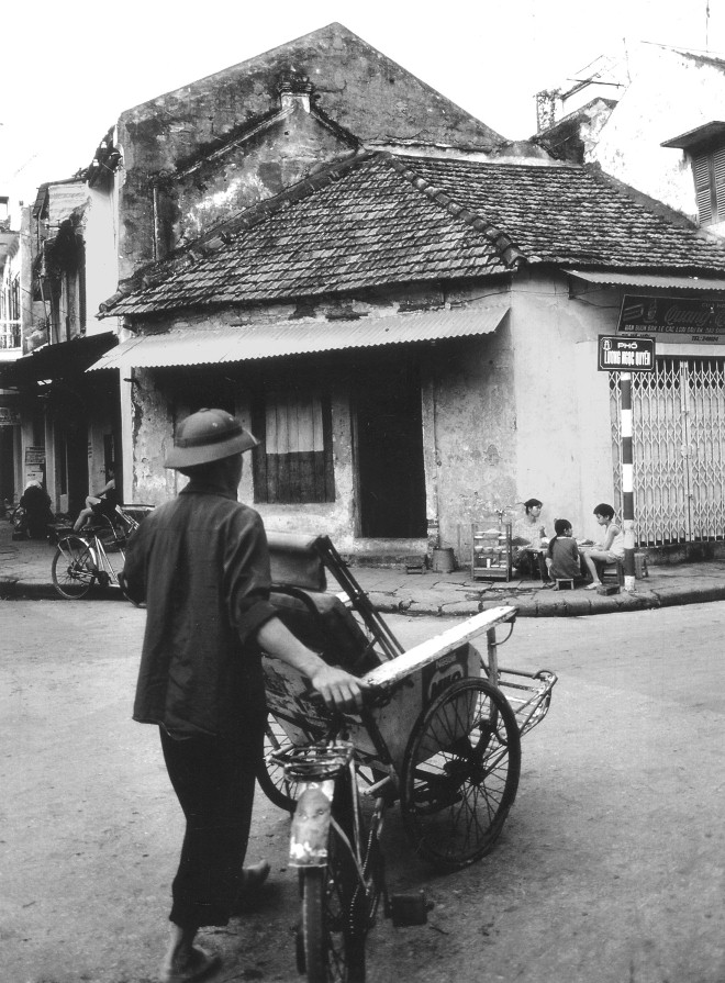 Old Hanoi photography exhibition held on pedestrian streets, entertainment events, entertainment news, entertainment activities, what's on, Vietnam culture, Vietnam tradition, vn news, Vietnam beauty, news Vietnam, Vietnam news, Vietnam net news, vietnamn