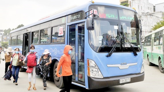 CNG buses wait for mechanism in HCM City, social news, vietnamnet bridge, english news, Vietnam news, news Vietnam, vietnamnet news, Vietnam net news, Vietnam latest news, vn news, Vietnam breaking news