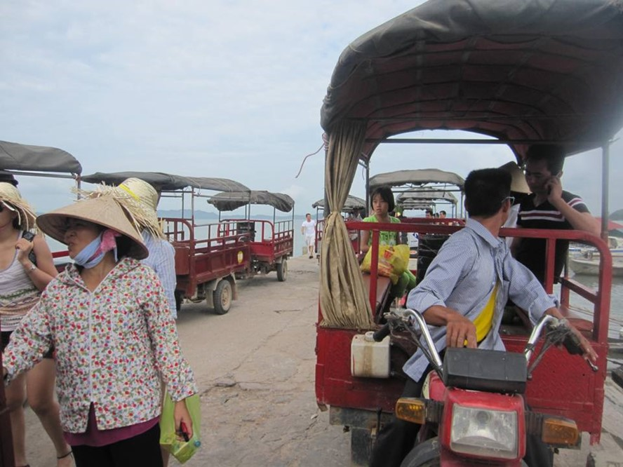 Tuk tuk vehicles to be banned in Quang Ninh, social news, vietnamnet bridge, english news, Vietnam news, news Vietnam, vietnamnet news, Vietnam net news, Vietnam latest news, vn news, Vietnam breaking news