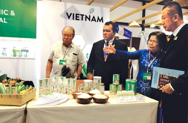 vietnam economy, business news, vn news, vietnamnet bridge, english news, Vietnam news, news Vietnam, vietnamnet news, vn news, Vietnam net news, Vietnam latest news, Vietnam breaking news, AEC, import tariff cut, export turnover
