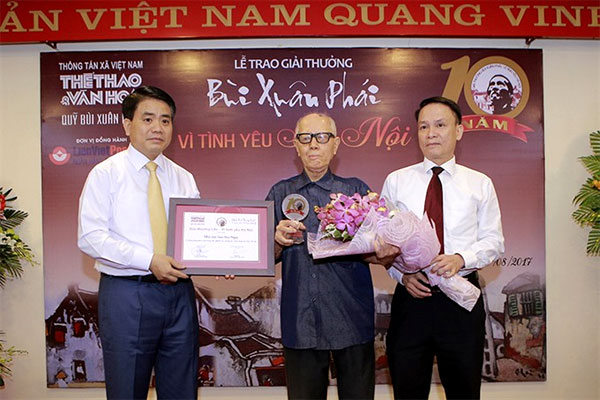 Bui Xuan Phai Award, Ha Noi culture, culturist Huu Ngoc, Vietnam economy, Vietnamnet bridge, English news about Vietnam, Vietnam news, news about Vietnam, English news, Vietnamnet news, latest news on Vietnam, Vietnam