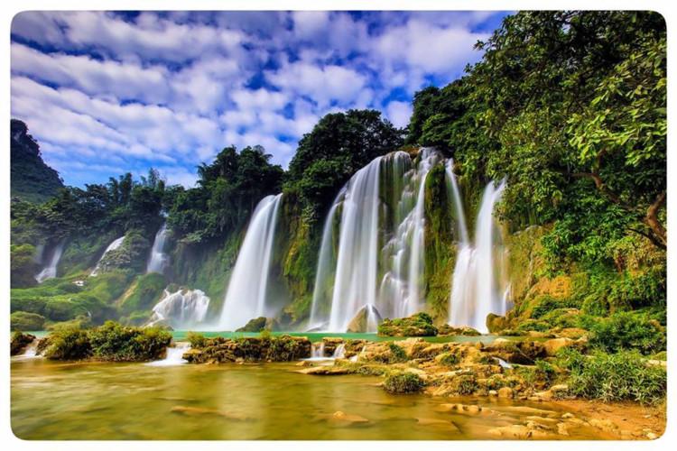 Imposing beauty of Ban Gioc Waterfall, travel news, Vietnam guide, Vietnam airlines, Vietnam tour, tour Vietnam, Hanoi, ho chi minh city, Saigon, travelling to Vietnam, Vietnam travelling, Vietnam travel, vn news