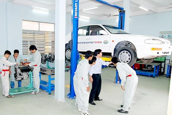 Ensuring job opportunities, vocational schools have high enrolment, Vietnam education, Vietnam higher education, Vietnam vocational training, Vietnam students, Vietnam children, Vietnam education reform, vietnamnet bridge, english news, Vietnam news, news