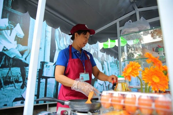 For recognized street food, head for Nguyen Van Chiem in downtown, travel news, Vietnam guide, Vietnam airlines, Vietnam tour, tour Vietnam, Hanoi, ho chi minh city, Saigon, travelling to Vietnam, Vietnam travelling, Vietnam travel, vn news
