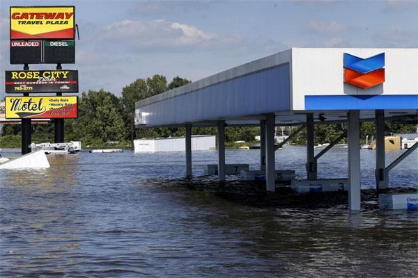 Retail U.S. gasoline prices surge after Harvey, global impact felt