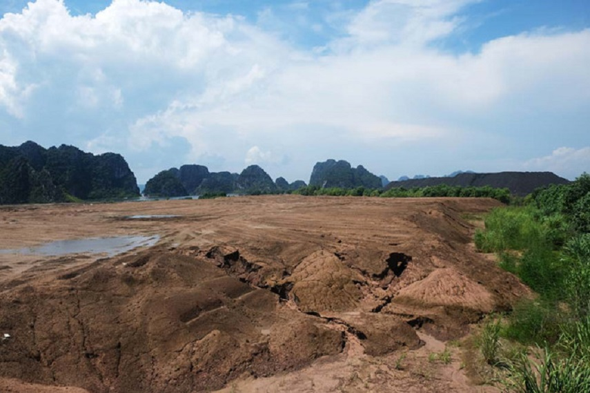 Ha Long Bay threatened by thermal power waste, Vietnam environment, climate change in Vietnam, Vietnam weather, Vietnam climate, pollution in Vietnam, environmental news, sci-tech news, vietnamnet bridge, english news, Vietnam news, news Vietnam