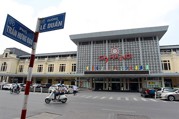 "Ha Noi, ""golden"" land, Ha Noi Railway Station,  move, Vietnam economy, Vietnamnet bridge, English news about Vietnam, Vietnam news, news about Vietnam, English news, Vietnamnet news, latest news on Vietnam, Vietnam"