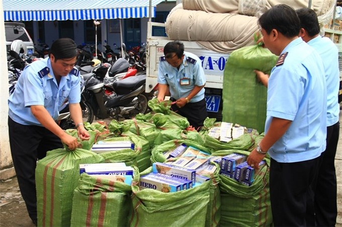 Smugglers use more bizarre ways to sneak goods past HCM City customs officials