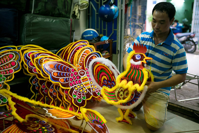 Lantern-making village revives in HCM City, entertainment events, entertainment news, entertainment activities, what's on, Vietnam culture, Vietnam tradition, vn news, Vietnam beauty, news Vietnam, Vietnam news, Vietnam net news, vietnamnet news, vietnamn