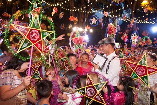 Event celebrates Mid Autumn Festival