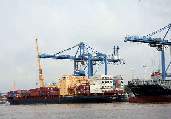 Vietnam's trade deficit going down, vietnam economy, business news, vn news, vietnamnet bridge, english news, Vietnam news, news Vietnam, vietnamnet news, vn news, Vietnam net news, Vietnam latest news, Vietnam breaking news