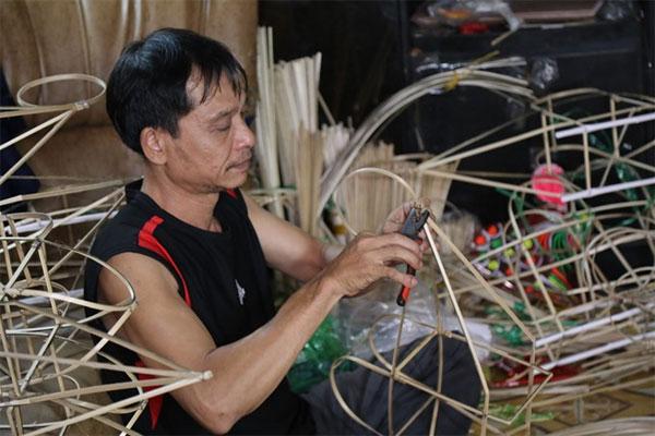 Handmade lanterns, Phu Binh Lantern Village, Mid-Autumn Festival, Vietnam economy, Vietnamnet bridge, English news about Vietnam, Vietnam news, news about Vietnam, English news, Vietnamnet news, latest news on Vietnam, Vietnam