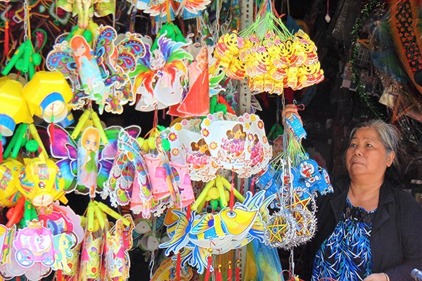 A 50-year-old lantern making area in HCM City, entertainment events, entertainment news, entertainment activities, what's on, Vietnam culture, Vietnam tradition, vn news, Vietnam beauty, news Vietnam, Vietnam news, Vietnam net news, vietnamnet news,
