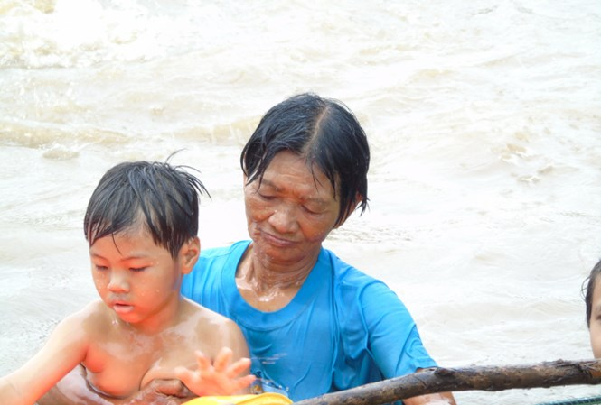 Woman offers free swimming lessons for children, social news, vietnamnet bridge, english news, Vietnam news, news Vietnam, vietnamnet news, Vietnam net news, Vietnam latest news, vn news, Vietnam breaking news
