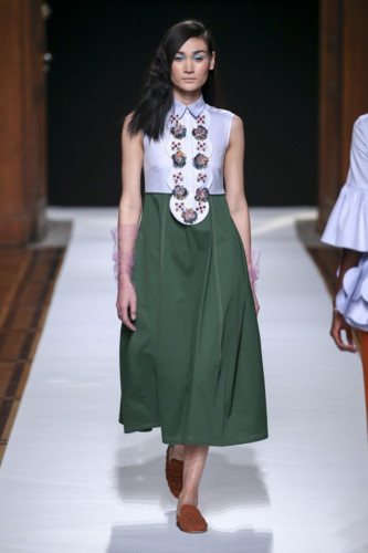 Vietnamese model Thuy Trang impressive at Paris Fashion Week