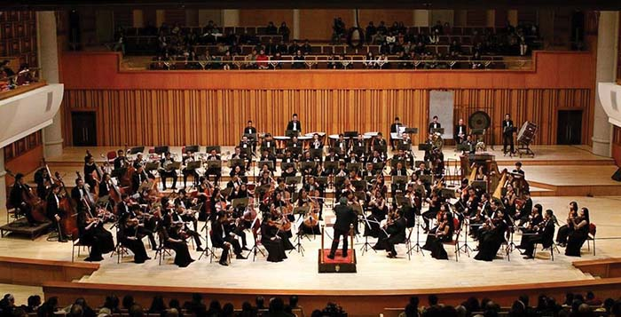 Symphony Concert with German conductor Gudni Emilsson in Hanoi, entertainment events, entertainment news, entertainment activities, what's on, Vietnam culture, Vietnam tradition, vn news, Vietnam beauty, news Vietnam, Vietnam news, Vietnam net news, vietn