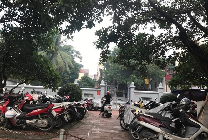 National relics crowded out by illegal parking, social news, vietnamnet bridge, english news, Vietnam news, news Vietnam, vietnamnet news, Vietnam net news, Vietnam latest news, vn news, Vietnam breaking news