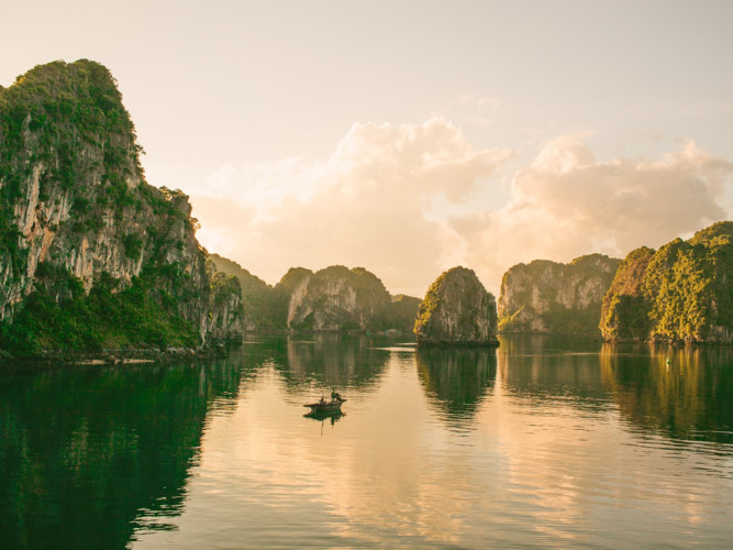 Ha Long Bay one of most beautiful world heritage sites: CNTraveler, travel news, Vietnam guide, Vietnam airlines, Vietnam tour, tour Vietnam, Hanoi, ho chi minh city, Saigon, travelling to Vietnam, Vietnam travelling, Vietnam travel, vn news