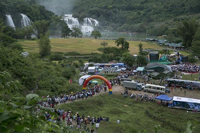 Ban Gioc Waterfall Festival opens in Cao Bang, entertainment events, entertainment news, entertainment activities, what's on, Vietnam culture, Vietnam tradition, vn news, Vietnam beauty, news Vietnam, Vietnam news, Vietnam net news, vietnamnet news, vietn