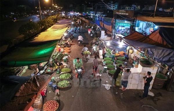 Hanoi to build five regional markets