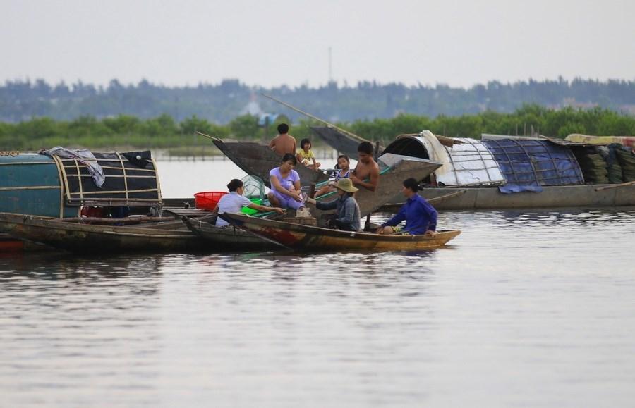 Alluring, tranquil beauty of Quang Loi Lagoon, travel news, Vietnam guide, Vietnam airlines, Vietnam tour, tour Vietnam, Hanoi, ho chi minh city, Saigon, travelling to Vietnam, Vietnam travelling, Vietnam travel, vn news