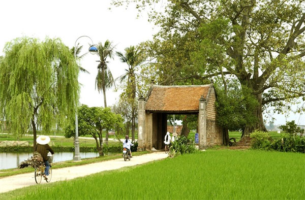 Hanoi starts offering classes in tourism skills