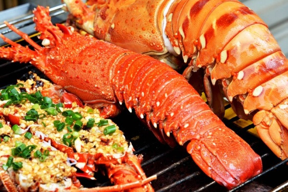 Top 5 islands to enjoy lobsters in Vietnam, travel news, Vietnam guide, Vietnam airlines, Vietnam tour, tour Vietnam, Hanoi, ho chi minh city, Saigon, travelling to Vietnam, Vietnam travelling, Vietnam travel, vn news