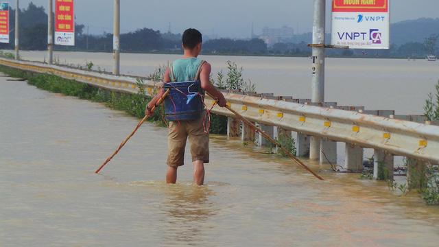 Hanoi suburbs under water after heavy rains, social news, vietnamnet bridge, english news, Vietnam news, news Vietnam, vietnamnet news, Vietnam net news, Vietnam latest news, vn news, Vietnam breaking news
